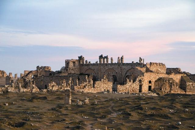 Руины городского собора святого Сергия