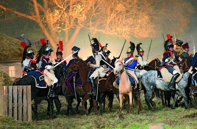 200-летие славной победы над Наполеоном здесь отметили военно-исторической реконструкцией сражения у стен Свято-Николаевской Черноостровской обители