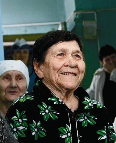 Бабушкам и дедушкам лучше живется там, где всего 30 человек, а не там, где, например, 600
