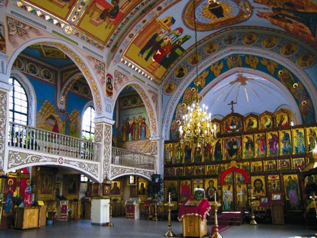 Интерьер храма Покрова Пресвятой Богородицы
