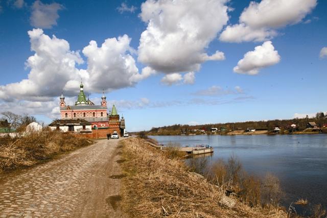 Никольский храм был заложен Александром Невским в память о воинах, погибших на Чудском озере