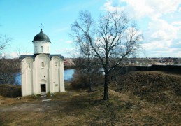 Старая Ладога стала первой столицей рус ского государства. Именно сюда в 861 году был приглашен на княжение варяжский князь Рюрик