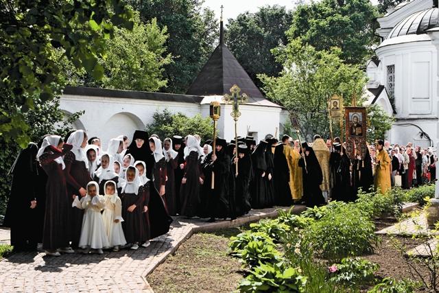 Воспитанницы монастыря