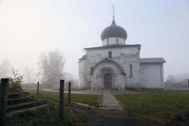 Георгиевский храм – редчайший памятник домонгольского периода. Таких в России почти не осталось