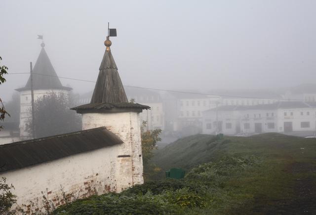 Земляной вал, который был возведен вместе с крепостью, сохранился и до наших дней. Сейчас это смотровая площадка и удачная точка для съемки