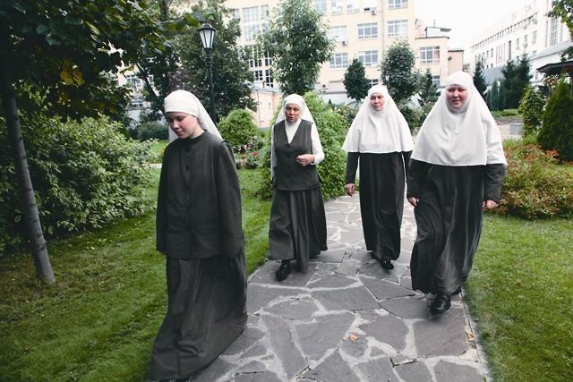 Попасть в число сестер обители довольно сложно: отбор строгий