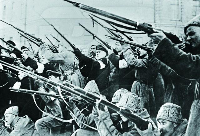 В течение семи суток столицу расстреливали из артиллерийских орудий, пулеметов и ружей.
