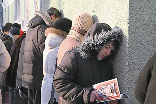 Петербуржцы знали: каждая встреча с блаженной – к добру. Погладит, поцелует ребенка, и хворь отступает. Зайдет в дом – там мир и покой воцаряются.