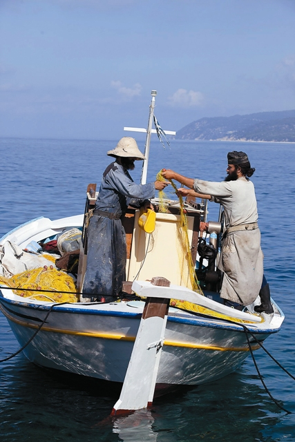 Монахи Афона на рыбалке