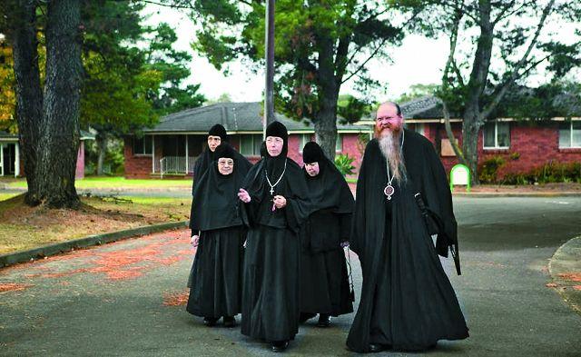 Одна из первых сестер монастыря была постриженицей Оптинских старцев