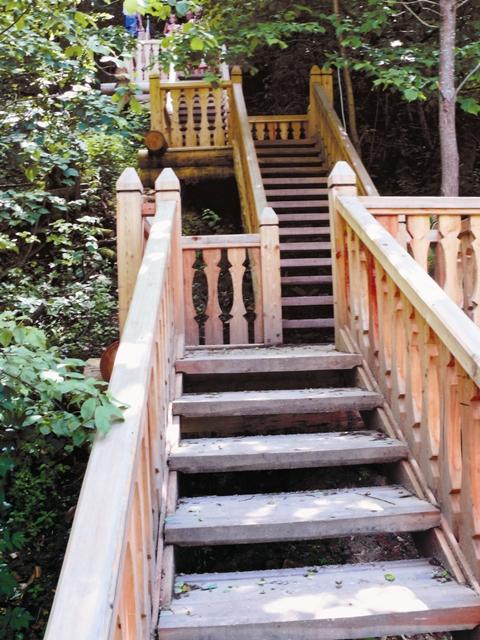 Вверх по лестнице – и мы у заветной цели