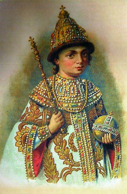 Когда Яуза и Измайловский пруд оказались малы,  юный Петр повелел устроить пристани с потешным флотом на Белом озере