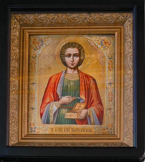 Икона святого великомученика Пантелеимона