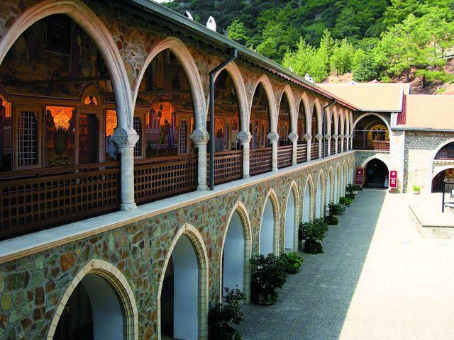 Троодос. Виды монастыря Киккос