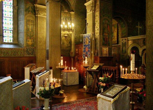 Вот уже 130 лет Преображенская церковь является источником утешения и духовной опорой для всех живущих на чужбине православных русских людей