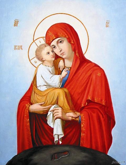 Почаевская икона Пресвятой Богородицы является уместных жителей особо чтимой. Именно она освящает собой небольшую часовенку усвятого родника