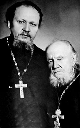 Протоиерей Михаил и Василий Гундяевы, отец и дед Патриарха Кирилла
