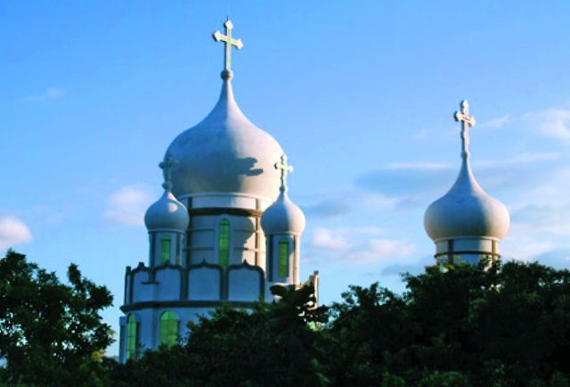 При строительстве монастырского храма община избрала древнерусский церковный стиль