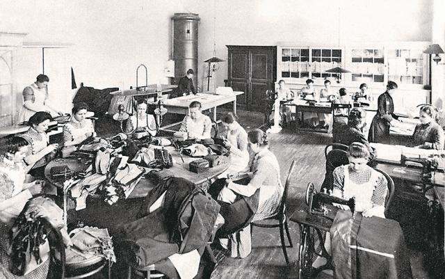 Швейные мастерские в залах Кремлевского дворца