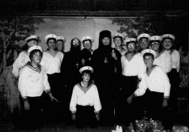 При Свято-Андреевском приходе в Филадельфии был замечательный ансамбль русской народной песни.