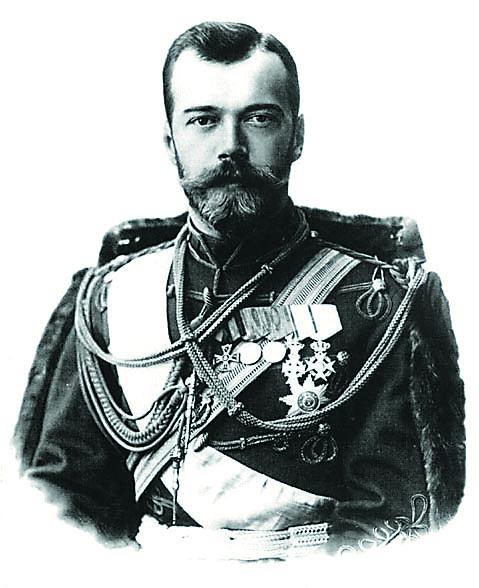 Будучи наследником престола, Николай II посетил Бари, чтобы поклониться мощам святого, именем которого был назван. В книге почетных гостей он подписался просто: «Николай». Впоследствии царь жаловал немалые средства на рекон- струкцию базилики