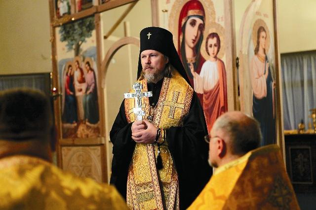 Чин освящения нового храма провел архиепископ Егорьевский Марк