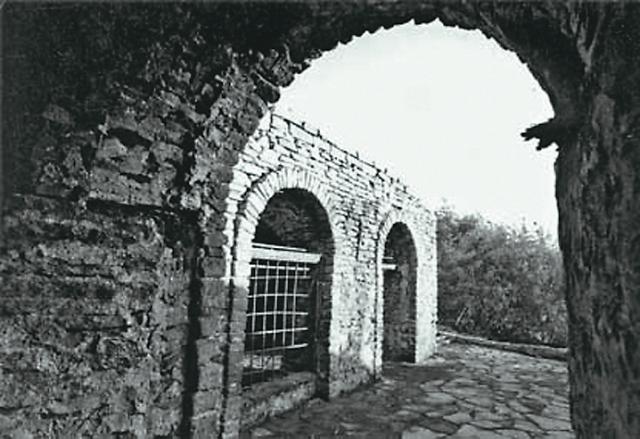 Склеп – место временного захоронения алапаевских мученико