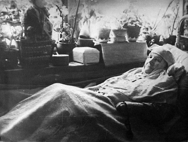 Старица Серафима Бирюлевская помогает в житейских нуждах. В настоящее время отец Виталий собирает свидетельства помощи по молитве подвижнице для ее прославления