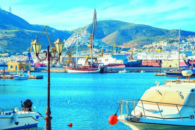 Самый большой остров Греции омывается тремя морями – Критским, Ливийским, Ионическим