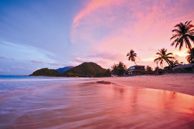 Коста-Рика – одно из самых маленьких государств в Центральной Америке. Эту землю открыл в 1502 году Христофор Колумб во время своего четвертого путешествия в Америку.