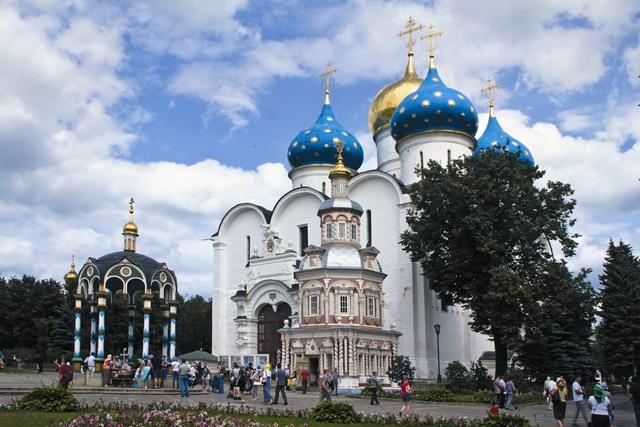 Самый большой храм Лавры – Успенский собор